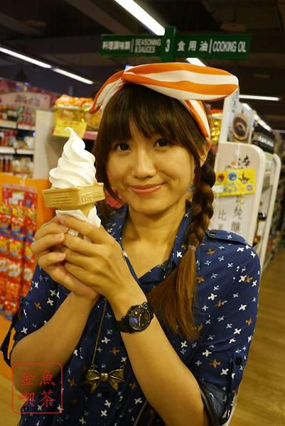松青超市聖代霜淇淋 一枝30元