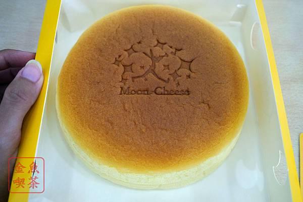 台南 月亮奇司 輕乳酪蛋糕