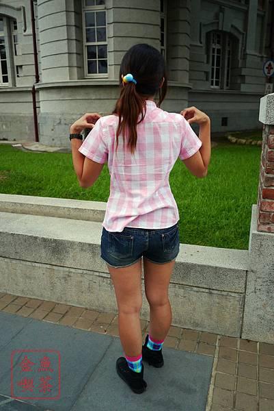 Lativ 經典格紋襯衫 女(M)款 淺粉格 背面