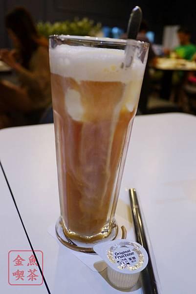高雄 夢時代 艾可創義廚房 漂浮冰紅茶