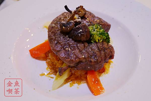 高雄 夢時代 艾可創義廚房 法式燒烤牛排番茄燉飯