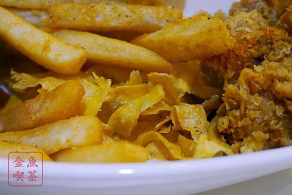 高雄 夢時代 艾可創義廚房 艾可酥炸拼盤 內有番薯片