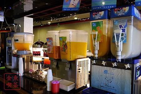 台南 饗麻饗辣 飲料類 令人意外的有無糖茶