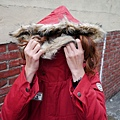 LULUS 經典胸徽章布毛毛連帽抽繩軍裝外(磚紅) 毛有點沒質感