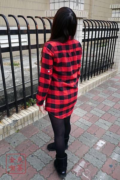 LULUS 法蘭絨長版格紋襯衫(紅黑) 長度很夠