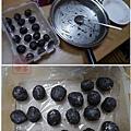 餅乾巧克力球 搓小圓球之後冷藏30分鐘以上