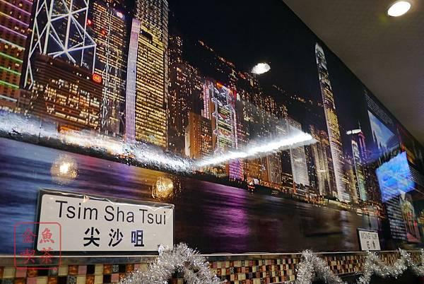 小香港茶餐廳 牆上有維多利亞港