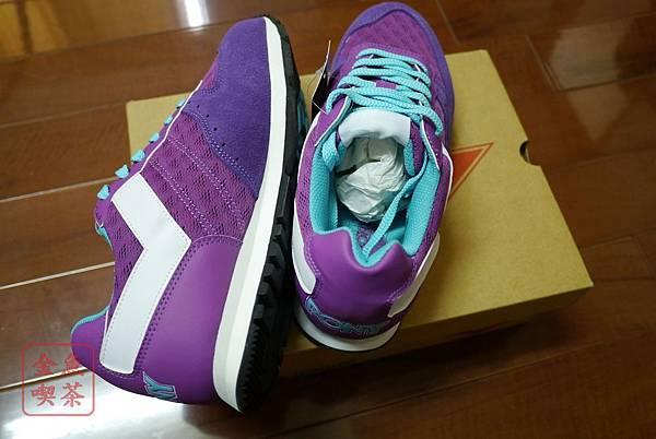 PONY SOLA-V玩味異素材復古配色慢跑鞋-紫