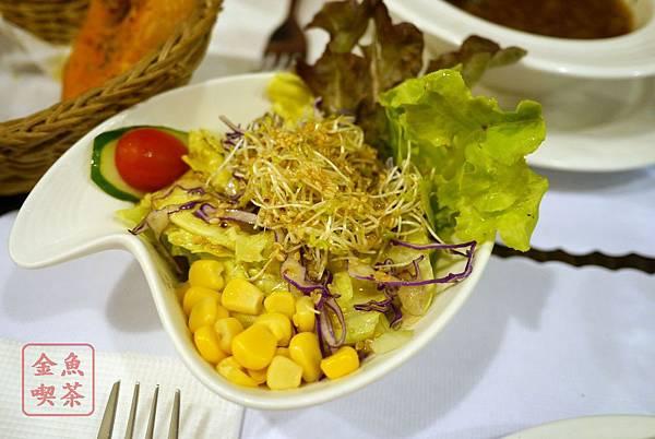 呷義義大利麵 沙拉配日式醬