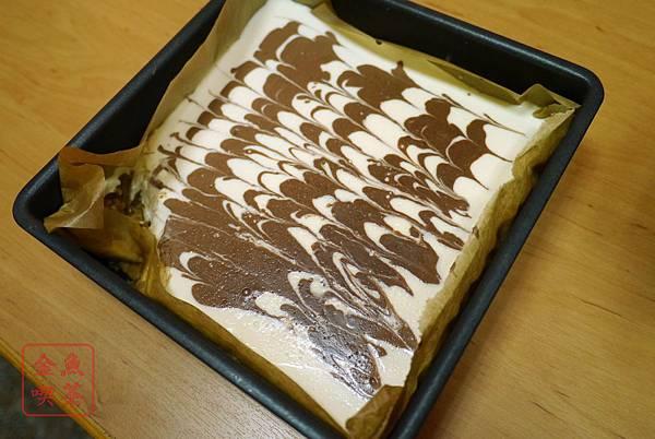 大理石可可免烤起司蛋糕 冰入冷藏之後完成