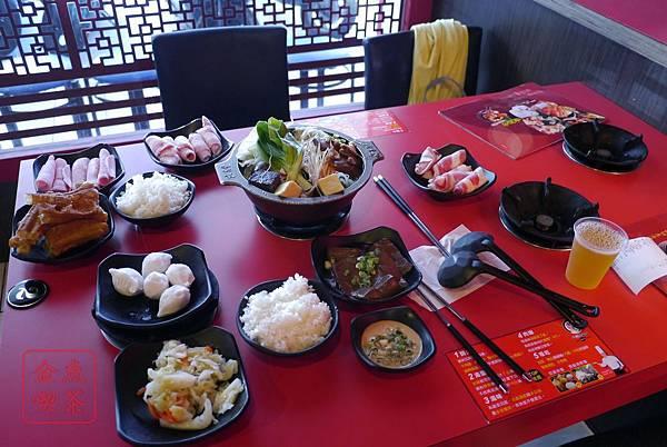 老先覺麻辣窯燒鍋(府前店) 整桌