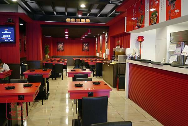 老先覺麻辣窯燒鍋(府前店) 店內座位