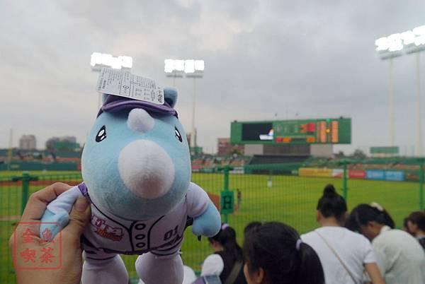 20140802 義大 高雄澄清湖棒球場 大義娃娃
