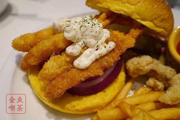 DACOZ 美式廚房 海之味蝦堡配上南瓜口味麵包