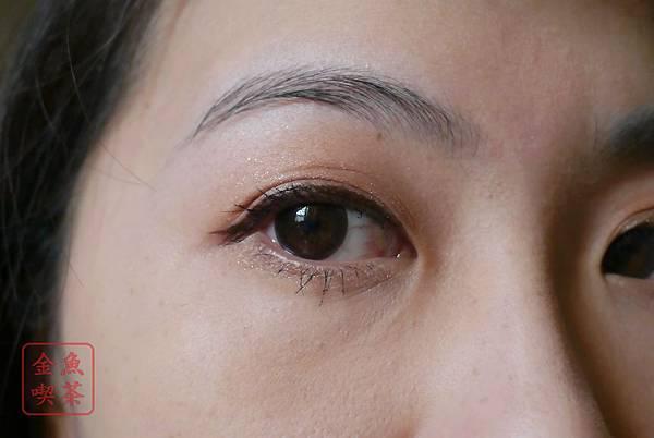 Peripera巧克力眼線筆 張眼