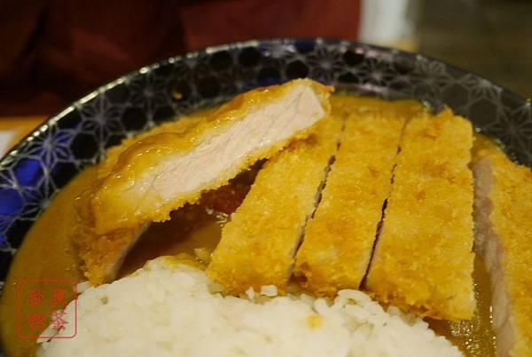 森本日式和風洋食堂 厚切豬排咖哩飯