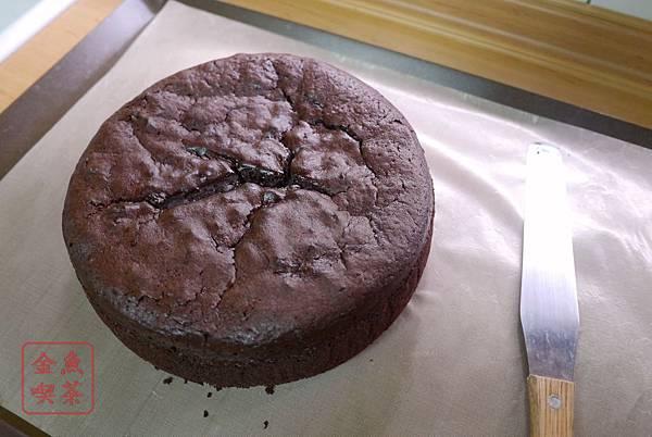 經典巧克力蛋糕 出爐