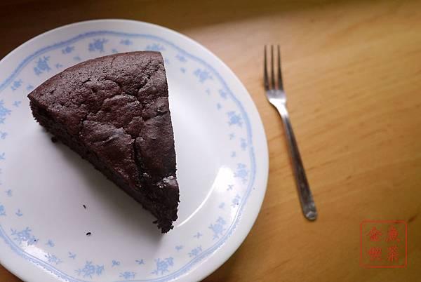 經典巧克力蛋糕 開吃