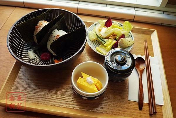 喜八珈琲店 飯糰套餐(多一些的兩顆版)