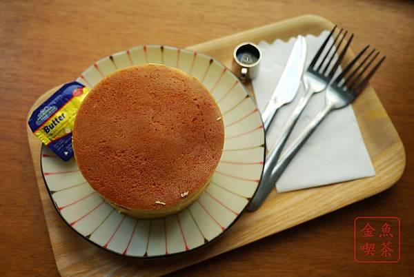 喜八珈琲店 奶油原味厚鬆餅(多一些的兩片版本)