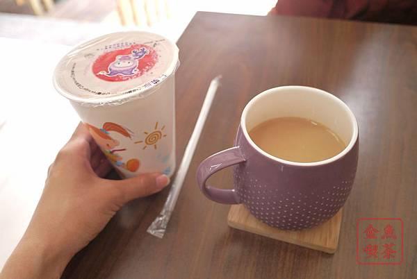 日安。鳥日子 豆漿紅茶(小)跟豆漿
