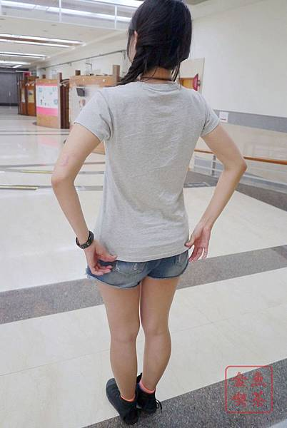 Lativ 馬來貘Cherng 女生M號實穿 背面