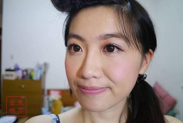 mercia奢華炫麗眼影-度假系列EY040去看薰衣草吧 整體妝容