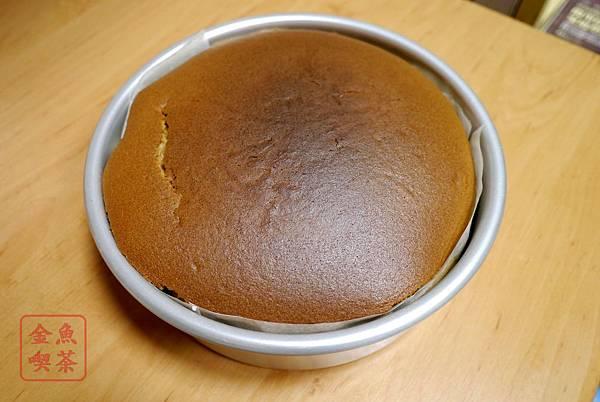 咖啡輕乳酪蛋糕 烤出來之後
