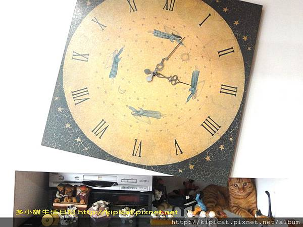 多小貓闖禍--牆上的鐘歪啦(多小貓生活日記)