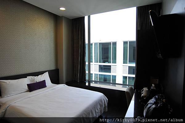 V Hotel (1).JPG