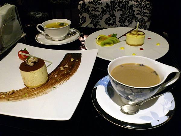 熱薰衣草奶茶與其他甜點