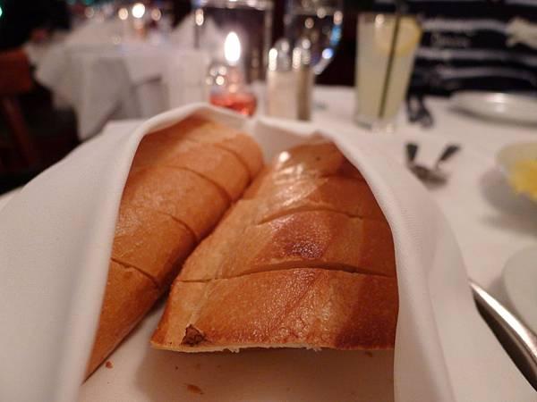 外酥內軟的麵包