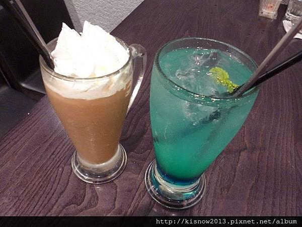瓦法27-椰子奶茶與藍柑橙.JPG