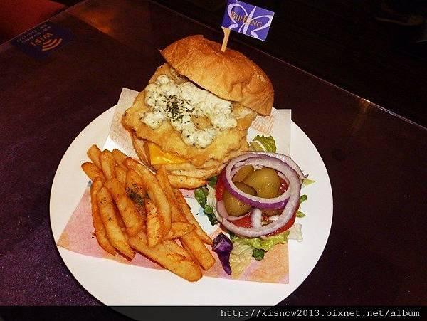 栢金40-黃金魚排漢堡.JPG