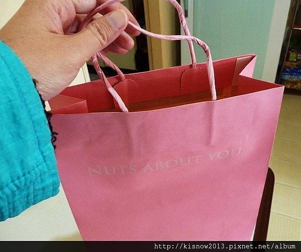 荳芮米3-粉紅色袋子.JPG