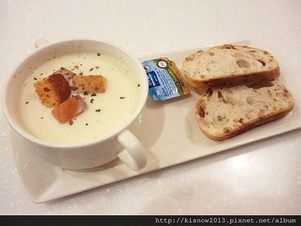 亞米36-濃湯和麵包.JPG