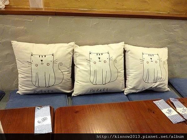蛋糕8-貓咪抱枕.JPG