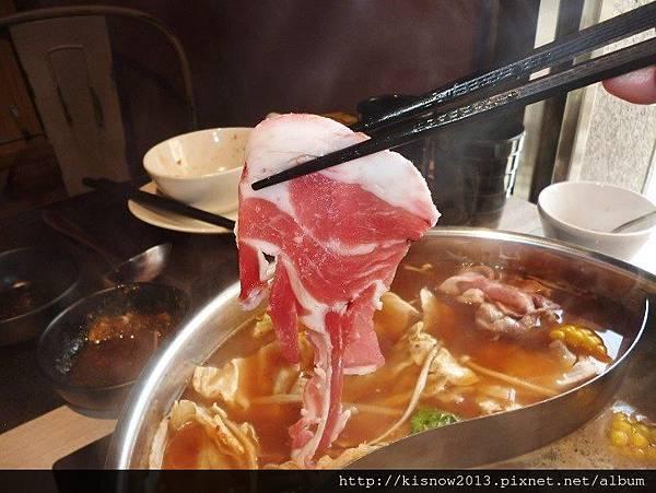 覓精緻鍋物29-羊肩肉.JPG