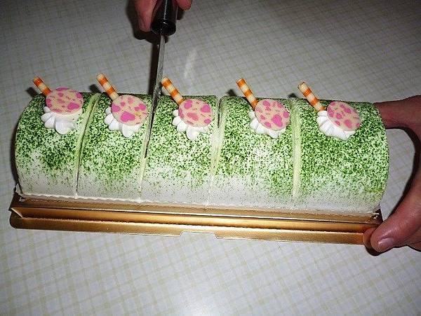 楓格18-蛋糕切片.JPG