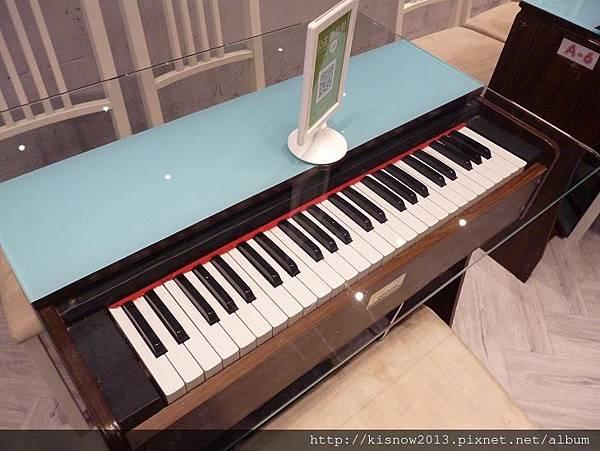 公主樂高34-室內風琴座位區.JPG