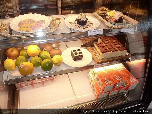 公主樂高41-蛋糕櫃.JPG