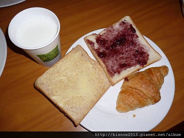 桔子44-土司和牛奶.JPG