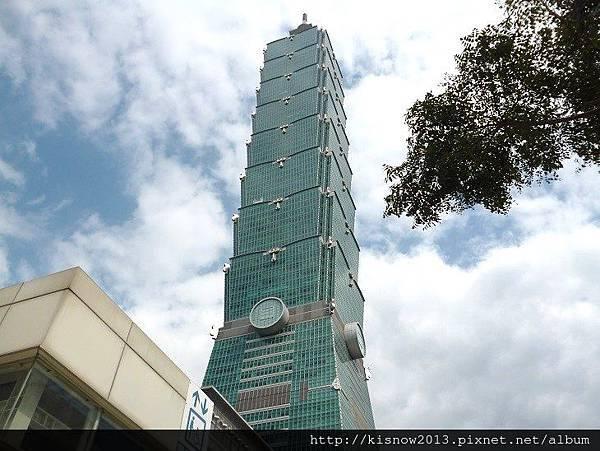 歐風嘉年華104-101大樓.JPG
