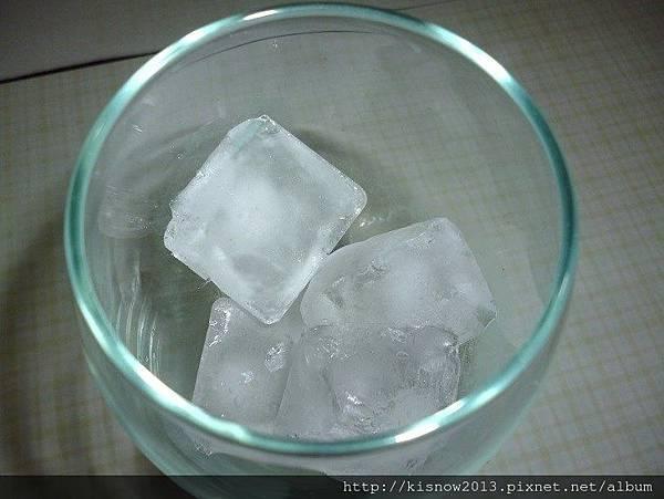 金賓6-冰塊.JPG