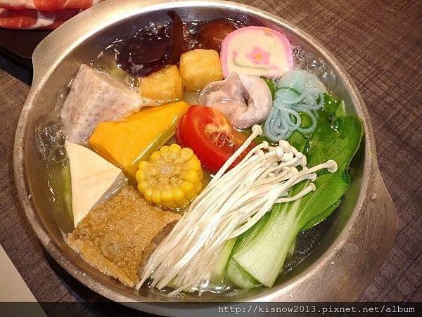 超猛的18-綜合蔬菜鍋.JPG