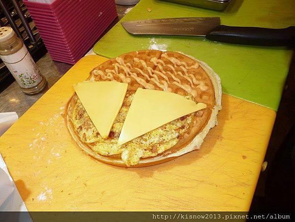 鬆餅9-板烤雞肉和起司.JPG