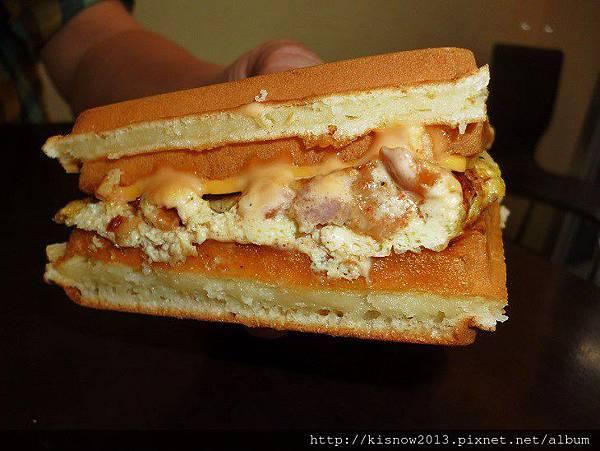 鬆餅23-板烤雞肉起司蛋.JPG