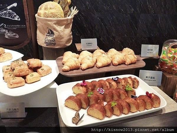 漢來18-麵包.JPG