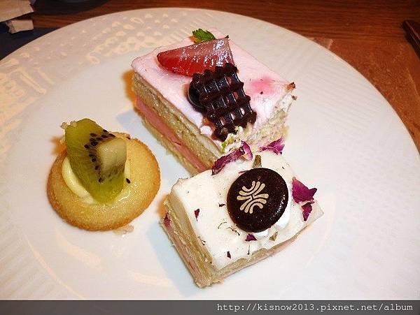 漢來31-甜點.JPG
