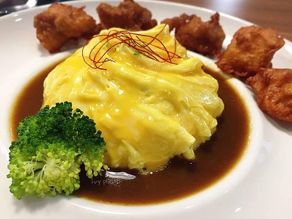 渼金日食 芝士多露黑咖哩唐揚雞滑蛋咖哩飯
